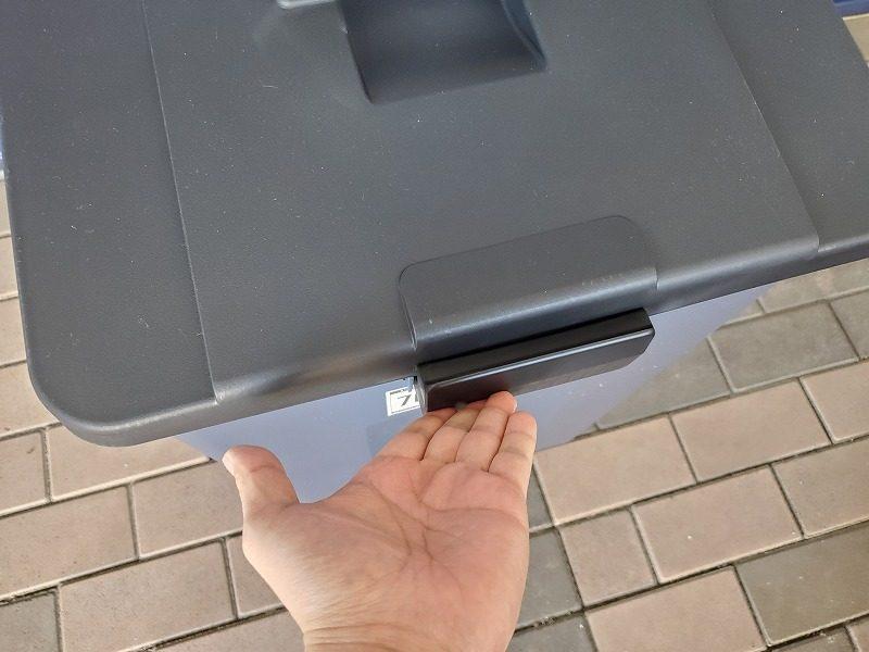 タッチオープン式ごみ箱