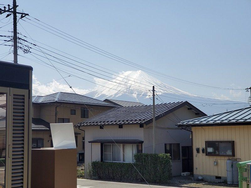 葭池温泉前駅から富士山