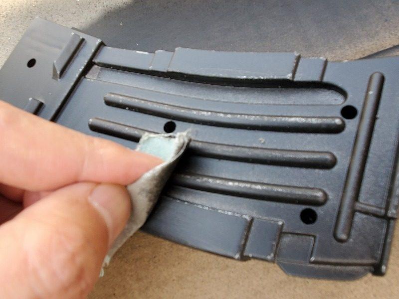 プラスチックを鉄っぽく塗装する方法。